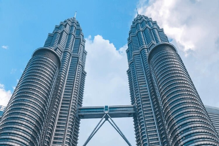 The iconic Twin Petronas Towers should top your list of things to do in Kuala Lumpur.